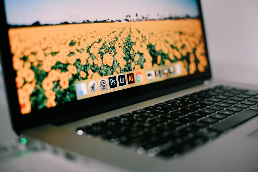 Adobe XD、Illustrator、Photoshop、それぞれの特徴を簡単にご紹介!
