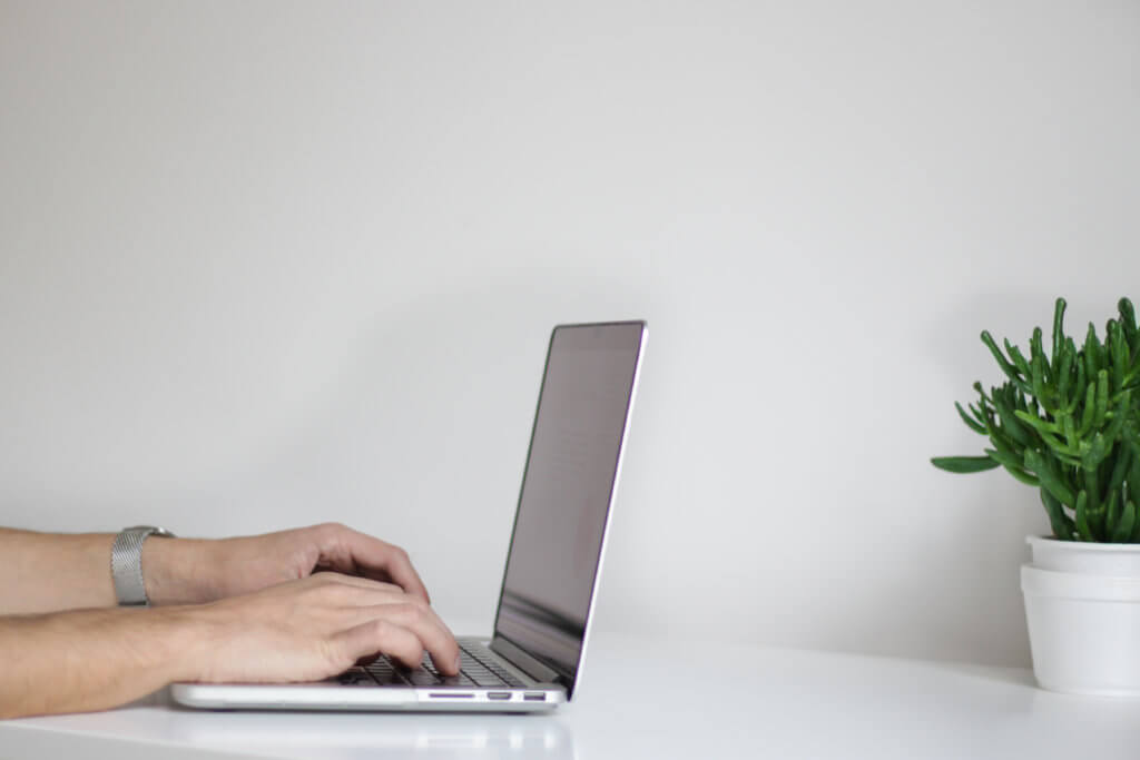 EFOとは?ホームページのお問い合わせ率を向上させるEFOについて