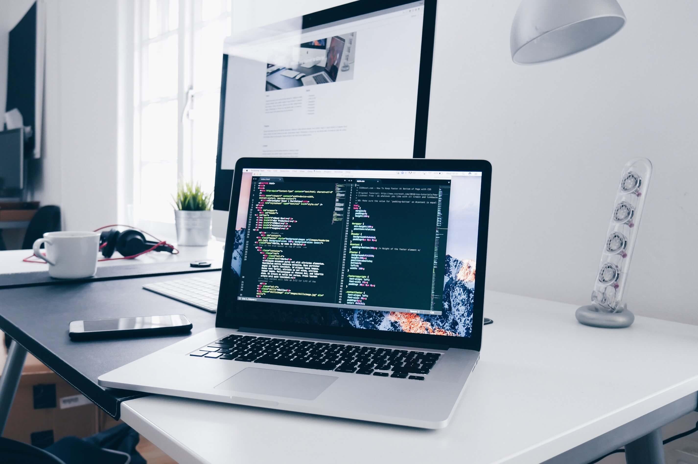 homepage_seisakuコーディングとは?ホームページ制作に欠かせない作業「コーディング」について。
